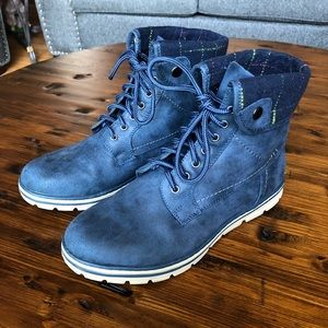 Cliffs Blue Flannel Cuff Boots